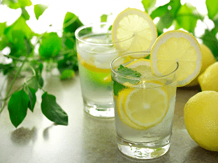 Что такое вода с лимоном по своей сути