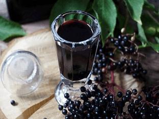 Лечебные спиртовые настойки на черной бузине