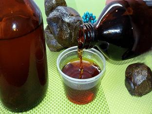 Настойка прополиса на спирту: как приготовить и лечиться