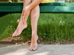 Почему отекают ноги: причины симптомы и методы лечения