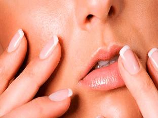 Как правильно ухаживать за губами в домашних условиях