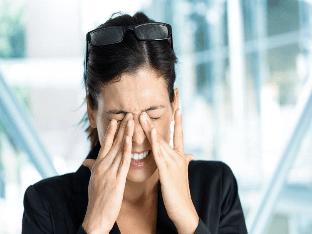 Почему болит глаз изнутри и опасно ли это