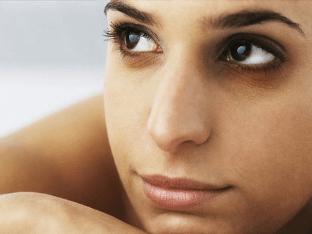 Вокруг глаз коричневые круги - признак какой болезни?