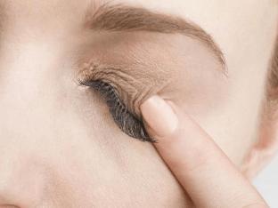 Причины и лечение ощущения песка в глазах