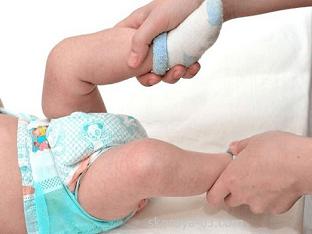 Что означает, понос с пеной у грудного ребенка