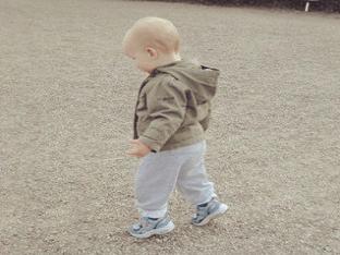 Ребенок постоянно ходит на носочках, что делать