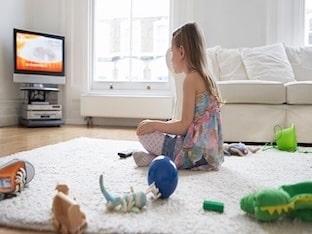 На каком расстоянии смотреть телевизор