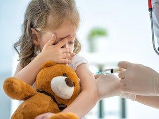 Стоит ли делать детям профилактические прививки